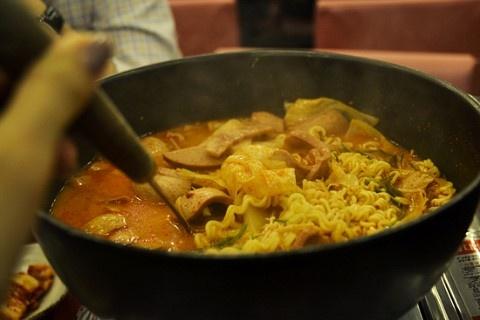 [강남 맛집] 셰프 봉 부대찌개 - 무난한 부대찌개 :: 네이버 블로그