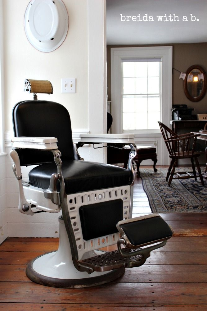 Vintage Barber Chair -- my dad had one just like this!! =]