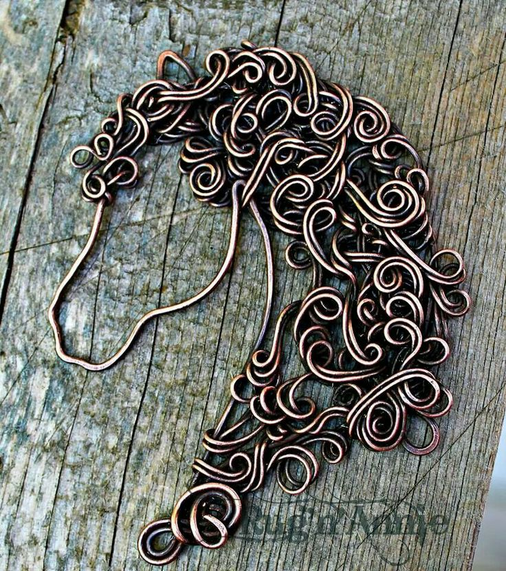 Very pretty- ( I love this. I've never had a horse with a mane this curly LOL but I love how it looks.)