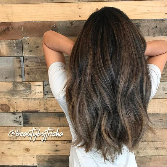 Powdery softness of beige and violets on this balayage for Fawn. After hours of …