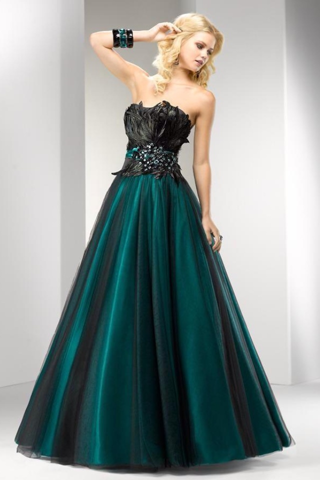 25  best ideas about Masquerade gown on Pinterest | Ball gowns ...