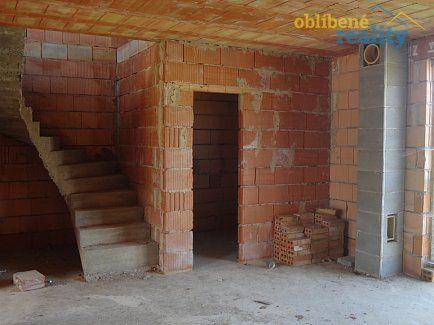 http://www.oblibenereality.cz/reality/prodej-dvougeneracni-rodinny-dum-10-2-268-m2-ov-vsestary-okr-hradec-kralove-0142