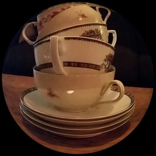#anderskijken #donkeredagen #verheugstapels kopjes thee in mijn vakantie