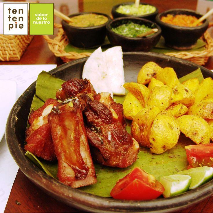 """Hablar de unas Costillas de Cerdo Ahumadas al estilo vallecaucano, es hablar de uno de esos placeres que toda persona que disfruta la carne debe darse, porque, sin duda, el paladar merece ser """"chocholiado"""".  #ComidaVallecaucana #CocinaVallecaucana #Cocinacali"""
