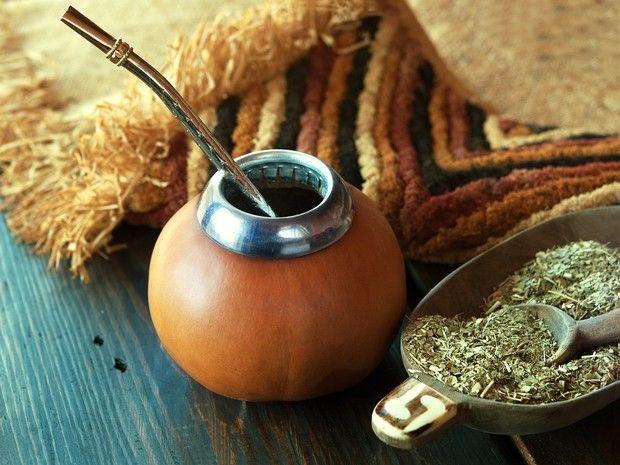 Le maté est une plante dont on utilise les feuilles pour réaliser une boisson riche en caféine