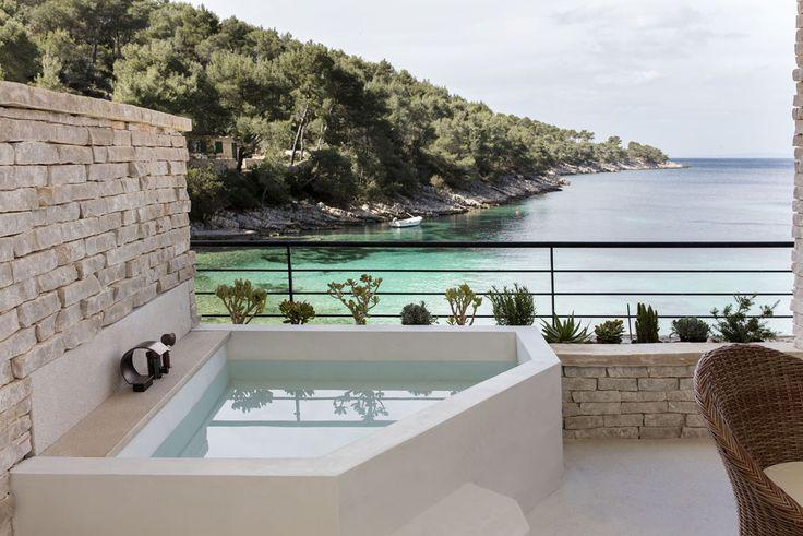 Little Green Bay hotel nouveau Croatie  ile de Hvar http://www.vogue.fr/lifestyle/voyages/diaporama/little-green-bay-hotel-nouveau-croatie-ile-de-hvar/31308#little-green-bay-hotel-nouveau-croatie-ile-de-hvar-12