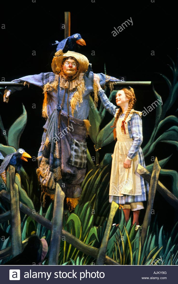 Download this stock image: SCENE FROM THE WONDERFUL WIZARD OF OZ PRODUCTION OF THE CHILDREN'S THEATER COMPANY IN MINNEAPOLIS, MINNESOTA. - AJKY9G from Alamy's library of millions of high resolution stock photos, illustrations and vectors.