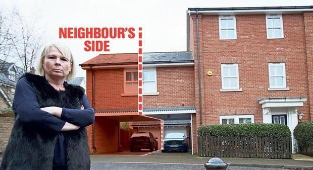 «У них там своя атмосфера»: британка не может продать дом из-за общей с соседом спальни http://joinfo.ua/curious/1193230_U-svoya-atmosfera-britanka-prodat-dom-iz-za.html  Особенности британской архитектуры способны оказаться стать источником серьезных проблем для жителей Туманного Альбиона.«У них там своя атмосфера»: британка не может продать дом из-за общей с соседом спальни, подробнее...