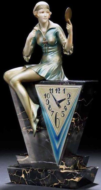 """"""" Art Deco - clock 'Femme au Poudrier' - Ferdinand Preiss - 1930. """""""