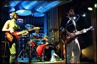 İyi Gün Dostları; İndie, alternatif rock tarzındaki bestelerinden oluşan albümünü, 2014′ün ilkbahar aylarında tüm müzik severler ile buluşturuyor. Geçtiğimiz 2013 yılı boyunca Beyoğlu Hayal Kahvesi'nde sahne alan İyi Gün Dostları, Albüm çalışmalarından dolayı sahne performanslarına ara vererek Albüm Kayıtlarına odaklandı. Grup; Gitar Vokal de Melikşah İşcan, Lead Gitar ve Saksofonda Ozan Erverdi, Bas Gitar Back Vokalde Alp Saltan ve son olarak Davul da Emre Kasrat'tan oluşuyor…