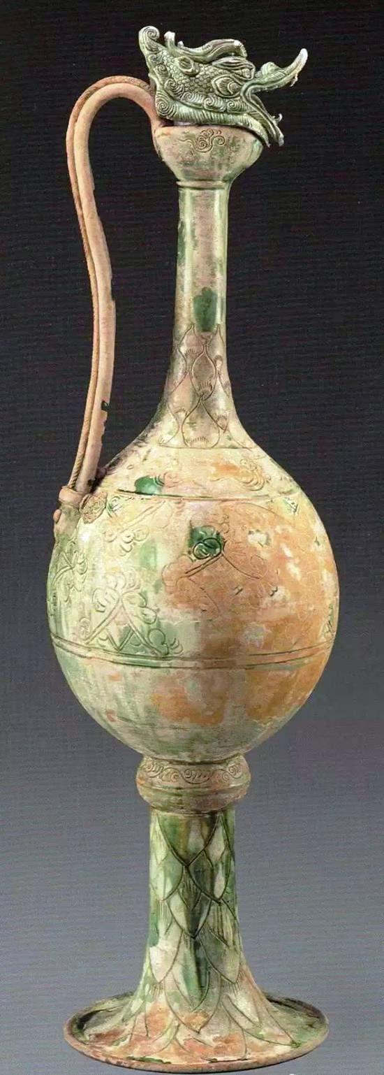 Frasco de perfume: Esmalte blanco a la frasco verde - Pecio Naufragado a mediados del siglo IX (Ruta de la Seda Marítima)