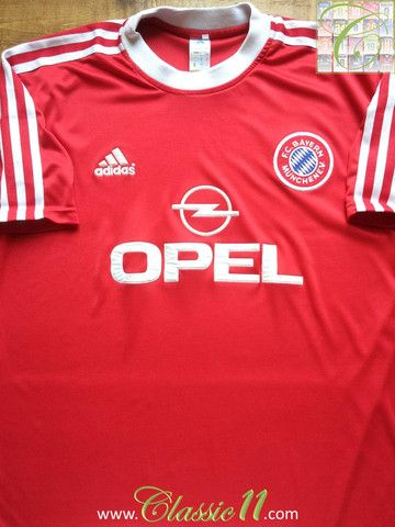 Relive Bayern Munich's 2000/2001 European season with this vintage Adidas home football shirt.