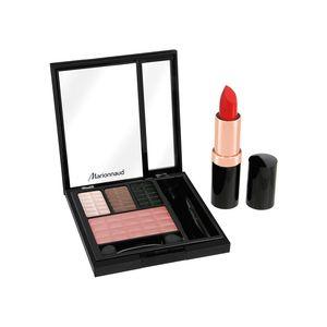 CHRISTMAS STAR Palette de maquillage avec 3 ombres à paupières irisées, un joli blush, un joli rouge pour une bouche à croquer … le tout dans un mini format pratique et chic ! MARIONNAUD