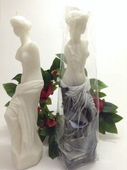 Venus sculpture Candle. Very elegant art deco style design - Venus de milo - pinned by pin4etsy.com