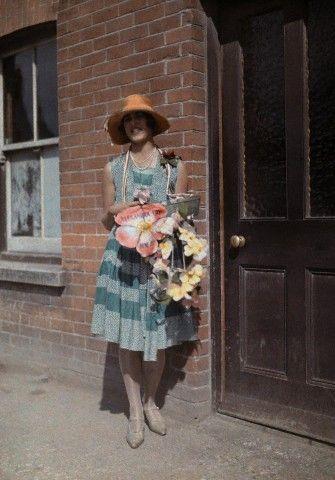 Autochrome. 1920s vintage street style fashion dress blue green flapper cloche hat flowers shoes England found photos