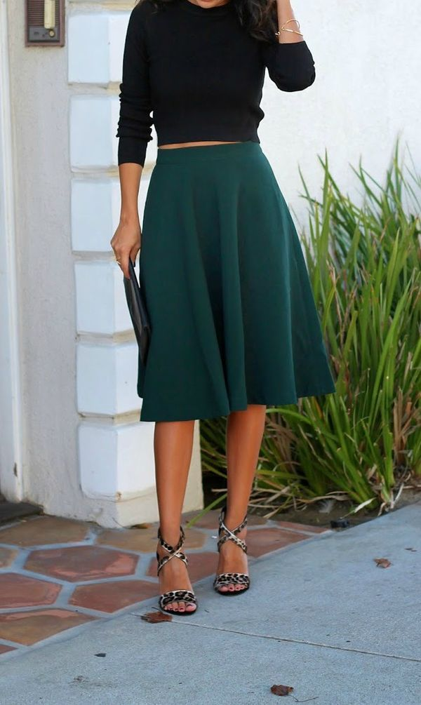 the best holiday season midi skirts // black sweater, emerald midi, leopard heels