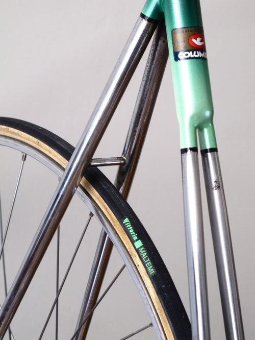 Green Fixie with nice frame detail and a special seat tube