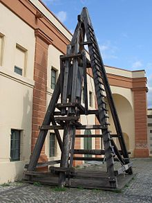 Roman pile driver (replica) used at the construction of Caesar's Rhine bridges (55 BC)