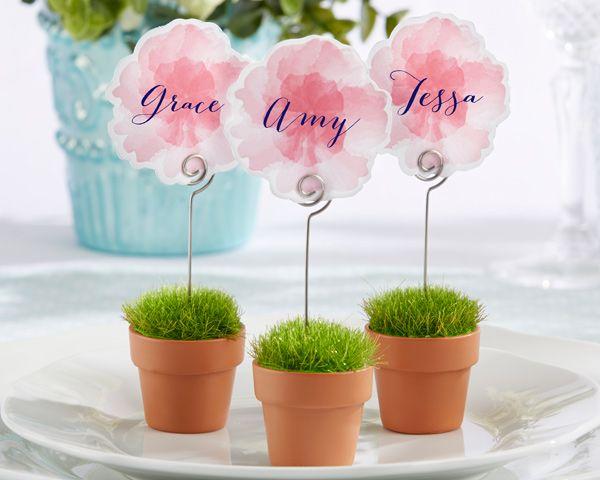 flower pot place card holders for a garden wedding