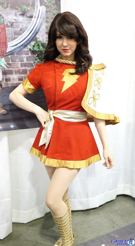 Character: Mary Marvel (Mary Batson) / From: DC Comics 'Captain Marvel Adventures' & 'The Power of Shazam!' / Cosplayer: Riki 'Riddle' LeCotey (aka Riddle's Messy Wardrobe, aka Riddle1) / Photo: Eurobeat Kasumi Photography
