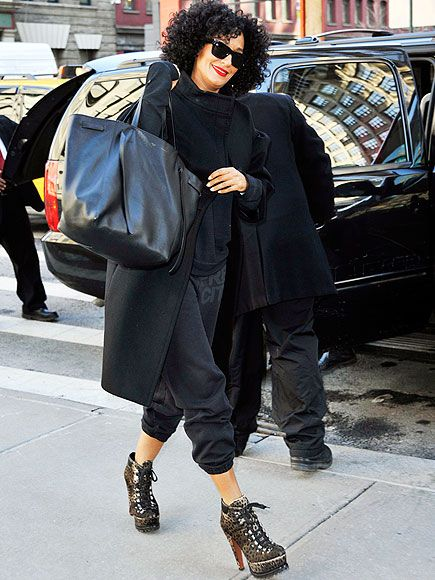 Star Tracks: Thursday, February 12, 2015 | BACK TO BLACK | Tracee Ellis Ross, star of ABC's black-ish, hits the N.Y.C streets ahead of an appearance at The Huffington Post headquarters on Wednesday.