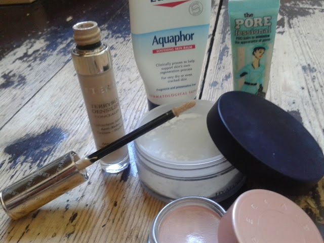Face Up Beauty: How to Hide Crow's Feet – Plus the Tools You Need