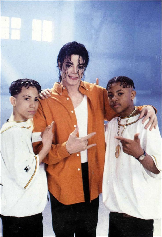 Michael Jackson and Kris Kross on the set of Jam | 1992