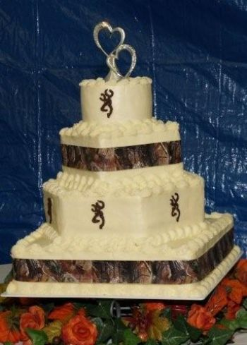 Country wedding cakes and Camo wedding