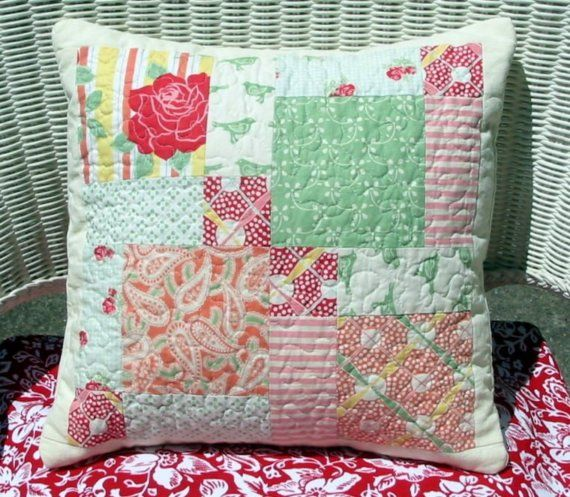 Quilted pillow, disappearing 9 patch