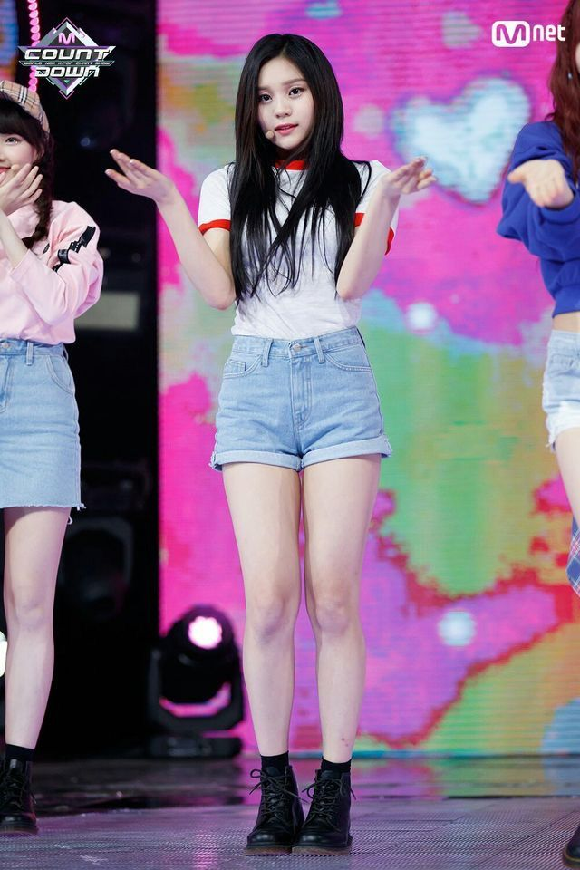 Pin By Lulamulala On Gfriend Umji Korean Outfits Kpop Korean Girl Band Kpop Girls