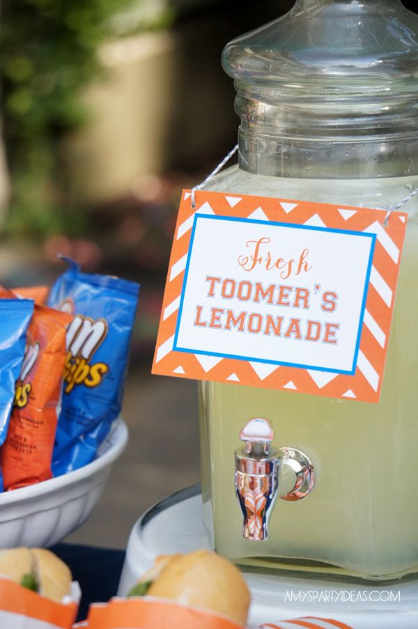 Tailgate Football Party Ideas  #football #tailgate #party