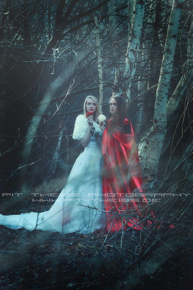 Schneeweißchen und Rosenrot, Snow-White and Rose-Red