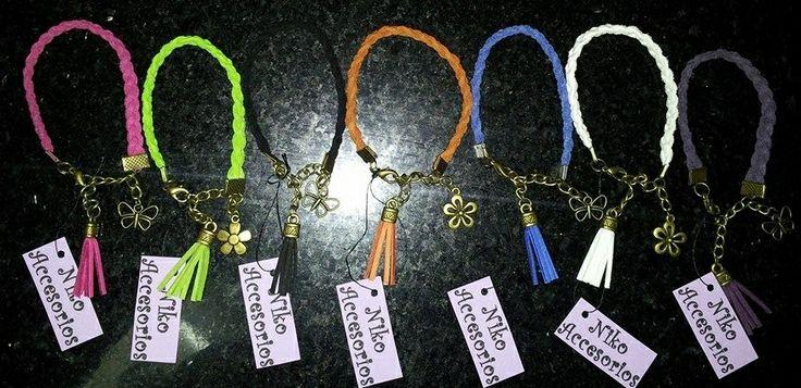 Elige tu color favorito o combinalos a tu modo con otras pulseras. $1.500 c/u