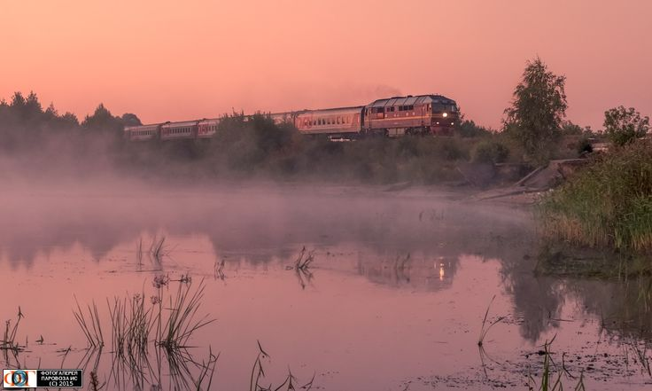 ТЭП70-0185 с пассажирским поездом на перегоне Удомля - Панышино, Тверская обл. Автор: Sergey Krylov | Фото сделано 22.VIII.2015