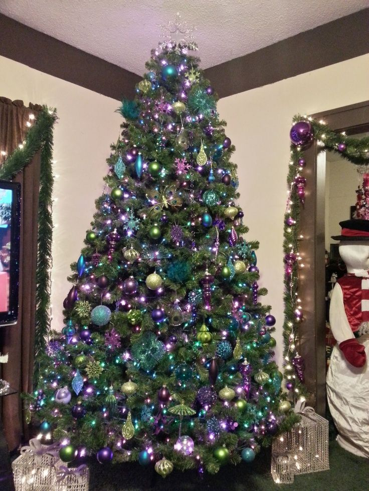 peacock christmas decor | Our Peacock Tree | Tis the Christmas of Ideas