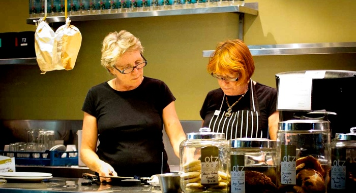 Karen and Liz Fines from OTZ Food Port Douglas