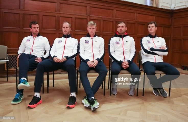 Leon Smith, Dominic Inglot, Kyle Edmund, Dan Evans, and Jamie Murray of Great Britain during the draw ceremony of the Davis Cup World Group tie between Great Britain and Canada at Parliament Hill on February 2, 2017 in Ottawa, Ontario, Canada.  (Photo by Andre Ringuette/Getty Images for LTA)