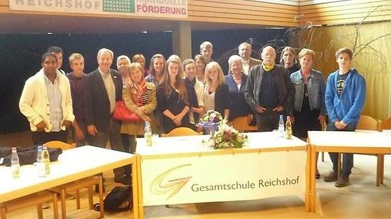 Mit Helene Hammelrath und Dr. Peter Struck (†) in der Gesamtschule Reichshof.