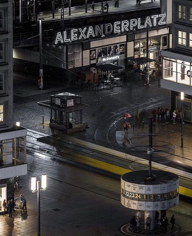 Alexanderplatz fruehling 2016