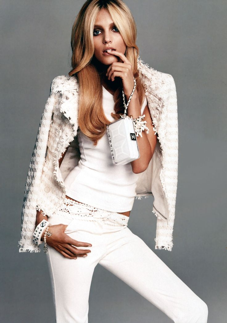 whiteChic Outfit, White Chanel, Chanel White, Fashion Style, Editorial Chanel, Local Fashion, Anja Rubik, Glamorous Chic Life, Chanel Editorial