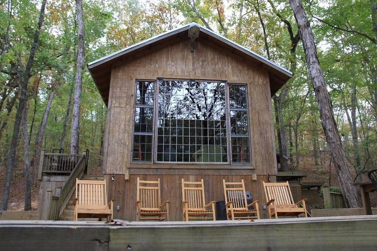 Entire home/apt in Wetumpka, United States. The Cabin is near Wind Creek Casino, Downtown Wetumpka, Fort Toulouse, Coosa River, Lake Joran, and 20 minutes away from Montgomery.  This is a rustic cabin situated in the crater hills of Wetumpka, 3 walls of the main room are glass which looks o...