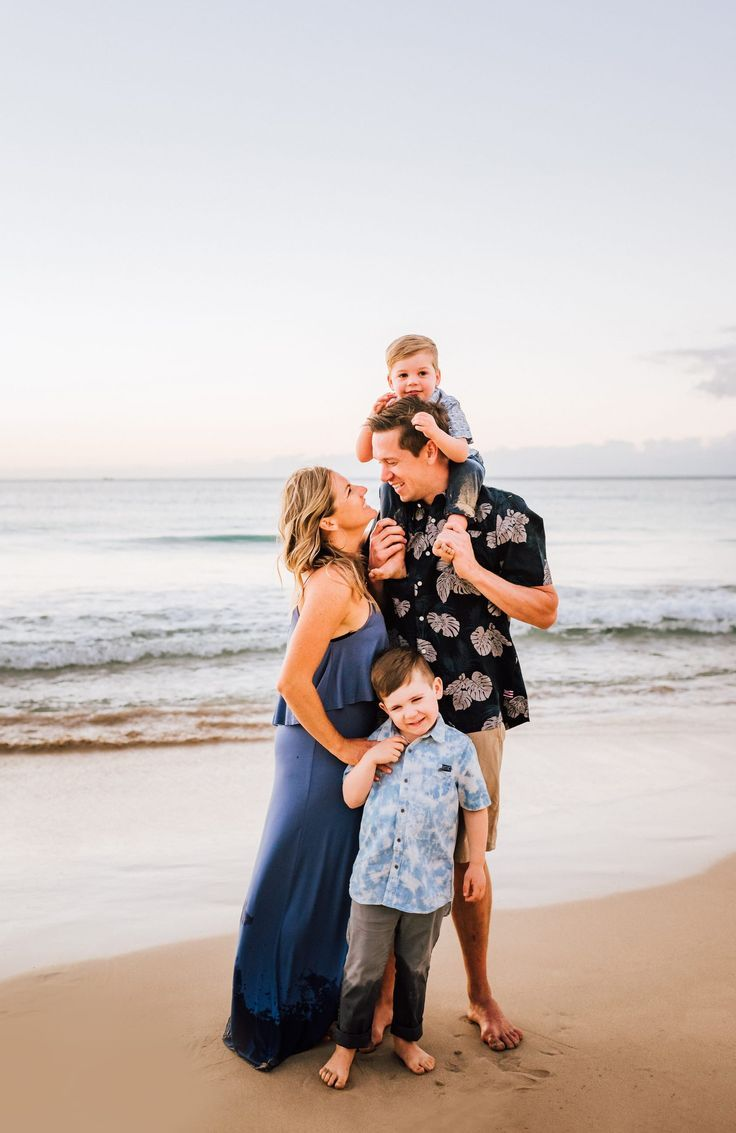 Beautiful sunset beach family photography session on the Big Island of Hawaii. H… – Wilde Sparrow Photography Co | Big Island Hawaii Family and Couples Photographer