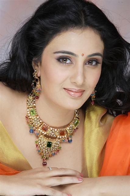 Sai Lokur Marathi Actress City Hometown Belgaum