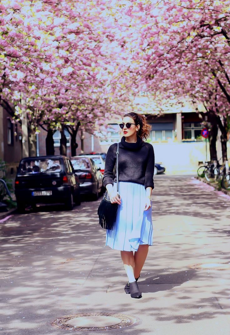 Kitten Heels and Midi Skirt cherry blossom street streetstyle outfit vintage style knit