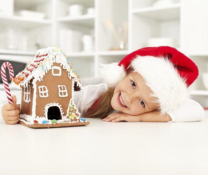 Mikołajki ,ulubiony czas dla najmłodszych: dostają prezenty, ale jeszcze nie muszą biegać ze ścierkami i pomagać rodzicom :)