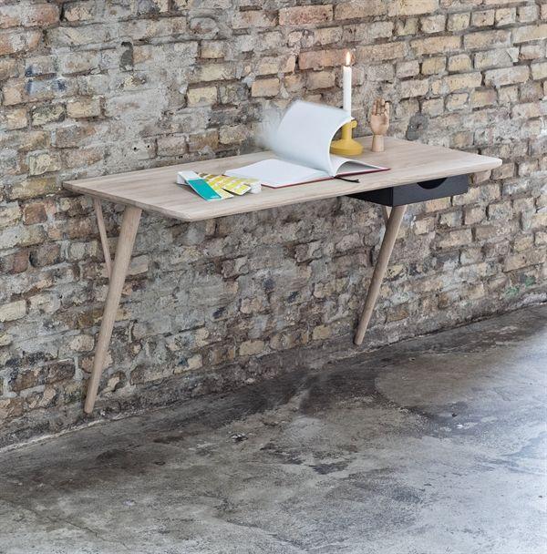 Desk / skrivebord fra Snedkergården i eg