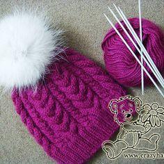 Chapéu de malha para inverno feito de fio de cor vinho