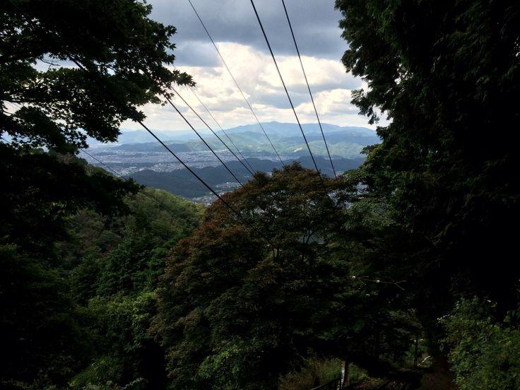 ロープウェイから市内を一望。この時はよく晴れていましたが、この後ゲリラ豪雨に見舞われました・・・。