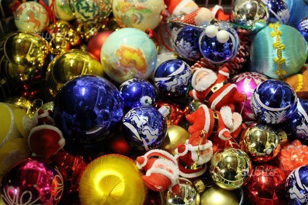 lotto-palline-babbo-natale-e-arredi-natalizi