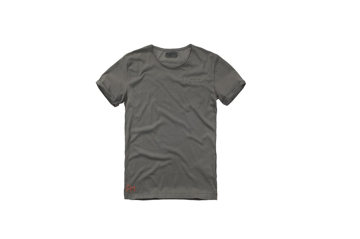 Fred Mello #fredmello #tshirt #militar#mancollection #man#fredmello1982 #newyork #springsummer2013 #accessible luxury #cool #usa #nyc